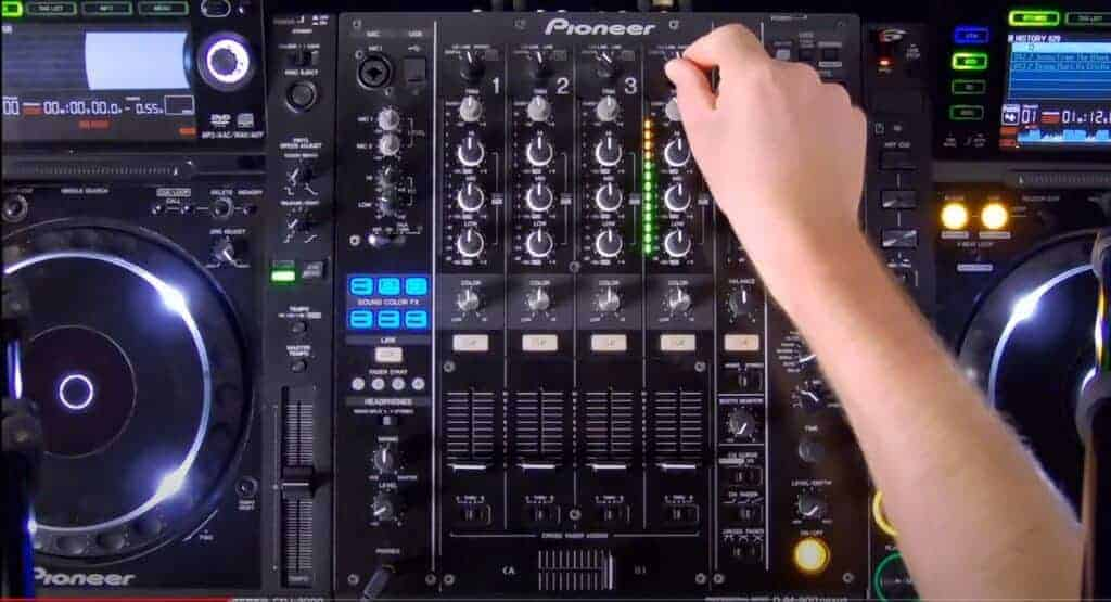livestream tips, lessen, ban live, streaming, server, service, twitch, instagram, facebook, dj, dj liveset